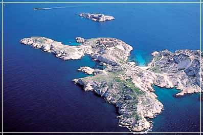 Marseille vue du large